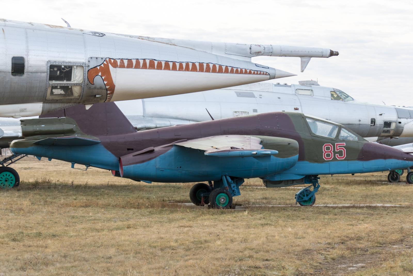 Музей Дальней авиации в Энгельсе: противотанковый штурмовик Су-25Т.